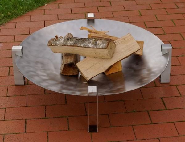 Abgebildetes Feuerholz nicht im Lieferumfang enthalten.