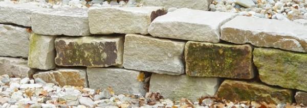 Knacker Mauersteine, maschinengespalten, Körnung 10-20/15-20/25-50 cm, gelb-braun