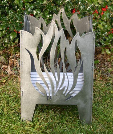 SvenskaV Feuersäule - Feuerkorb Flamme Größe L, inkl. Gitterrost und Ascheblech