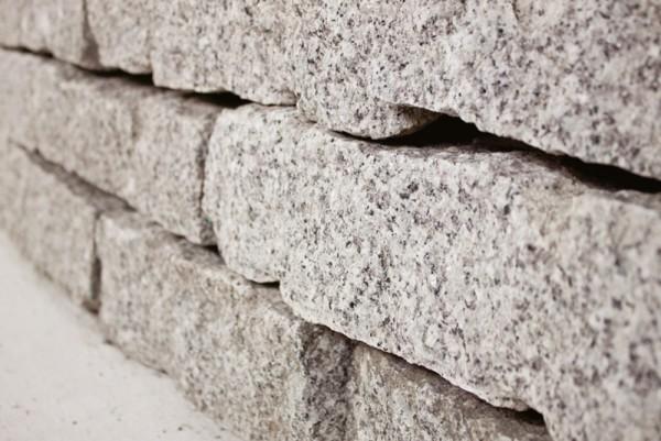 Granit Mauersteine, Körnung 10/20/40 cm, grau